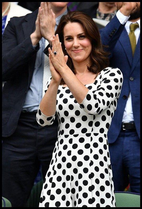 Vévodkyně Kate fandila na Wimbledonu.