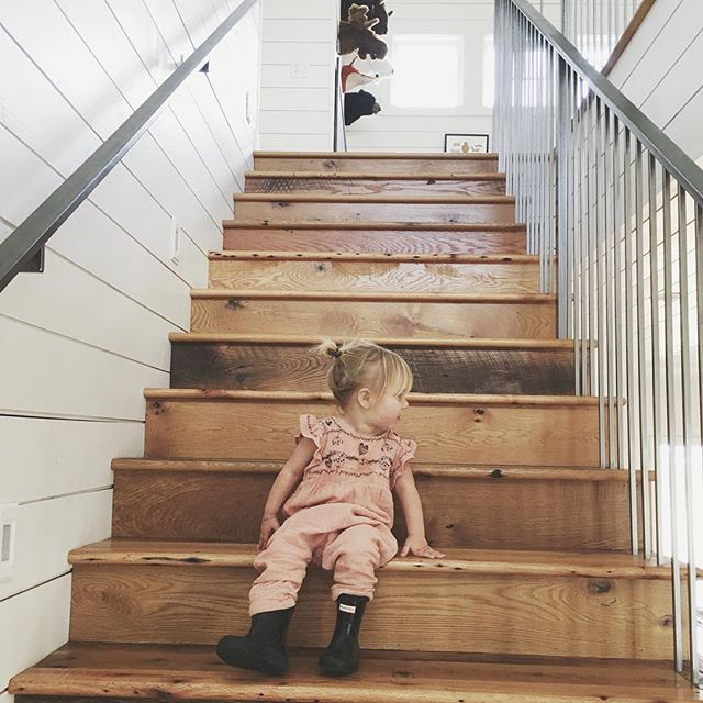 25 Best Ideas About Modern Staircase On Pinterest: Best 25+ Farmhouse Stairs Ideas On Pinterest