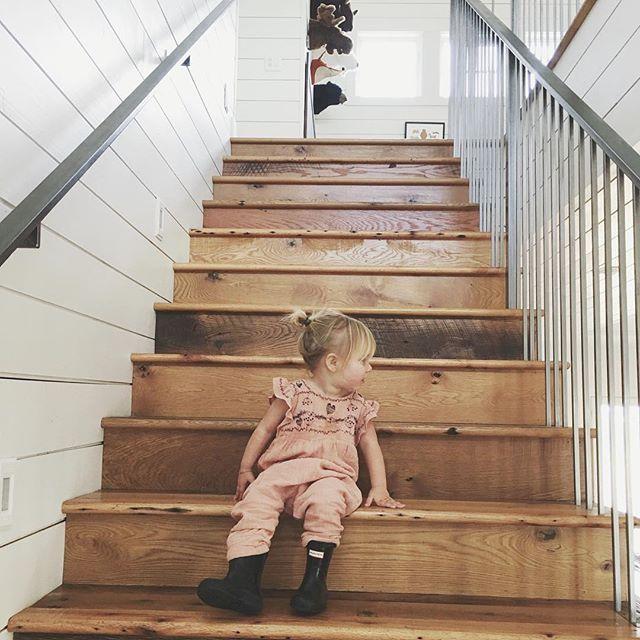 25 Best Ideas About Hardwood Stairs On Pinterest: 25+ Best Ideas About Farmhouse Stairs On Pinterest