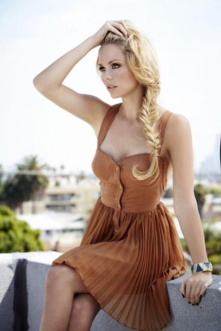 Laura Vandervoort 21