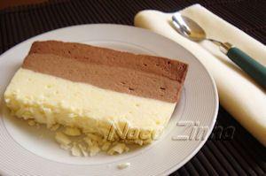 Sobremesa gelada de três chocolates