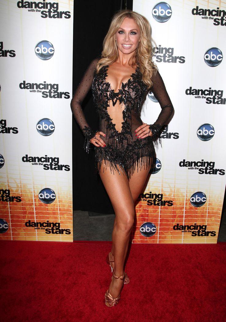 guerrero-sexy-sexy-ballroom-dancing-nude-girls-group