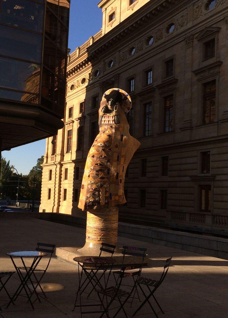Knitted Klimt in Prague