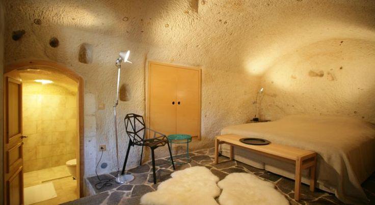 Cette structure authentique en pierre, située dans une grotte, se situe à 6 km du musée en plein air de Goreme, avec ses cheminées de fées.