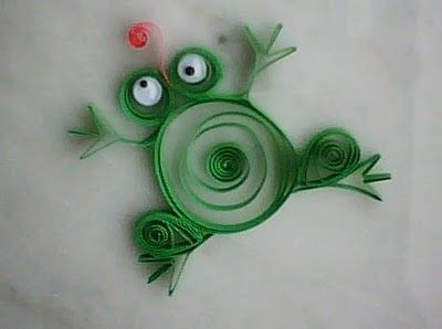 FROG paper quilling craft