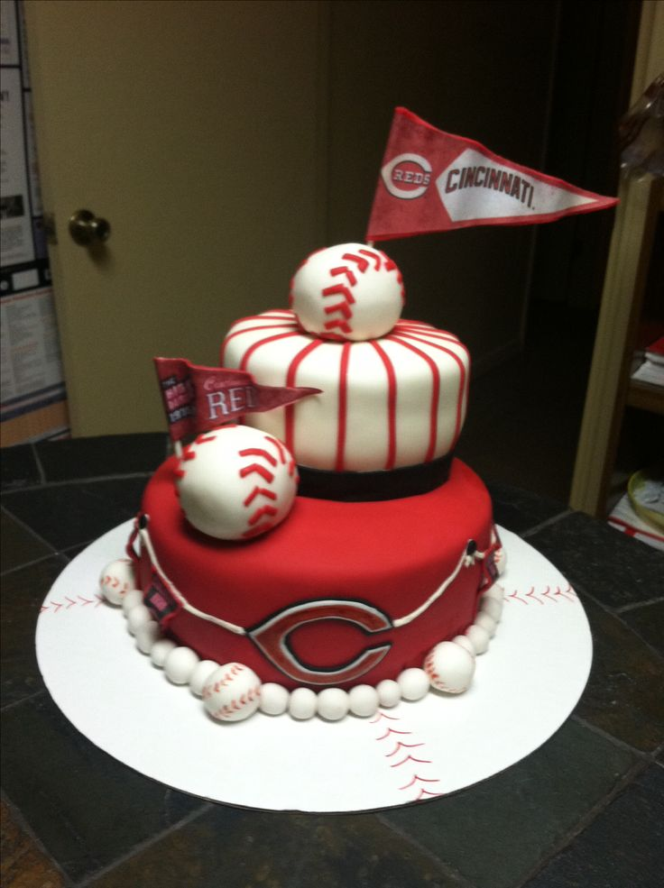Cincinnati Reds baseball birthday cake