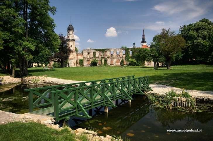 Park i ruiny zamku - Strzelce Opolskie