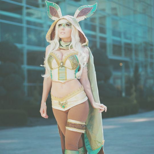 Jessica Nigri as an Evee Evolution