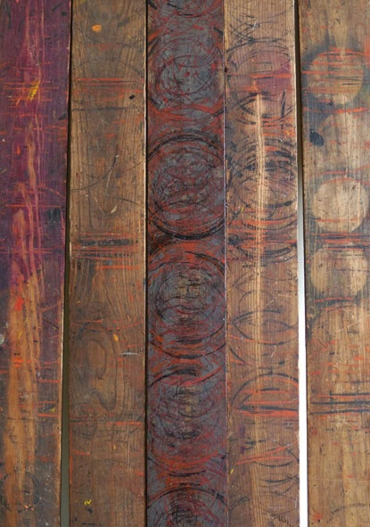 lattes de bois avec motifs peints brun plancher parquet. Black Bedroom Furniture Sets. Home Design Ideas
