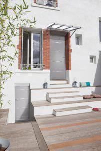 15 idées de portes d'entrées modernes...Porte acier modèle Panthère (crédit photo Bel'm)