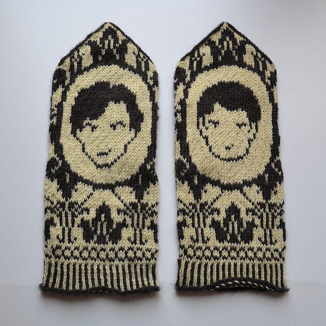 Ravelry: Johnlock Mittens (Sherlock tribute) pattern by Therese Sharp