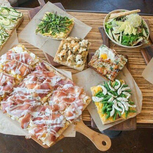 Pizza anyone? #hillcrest #healthy #local #farmtotable #dinnerideas #littleitalysd #4sranch #visitsandiego #sandiego #sdfooddiaries #youstayhungrysd #instafood #foodie #foodiesandiego #foodstagram #socal #california #italianfood #italia #sandiegopride #hillcrestfarmersmarket #pizzaaltaglio
