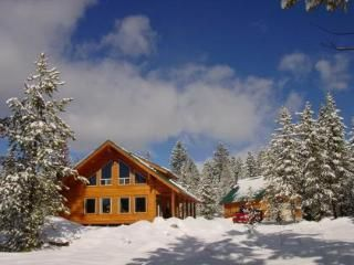 Island Park Idaho : Cabin Rentals : Cabins near Yellowstone : Snowmobile : Vacations : Snowmobiling : Lodges : Vacation Rentals Idaho : West Yellowstone Lodging