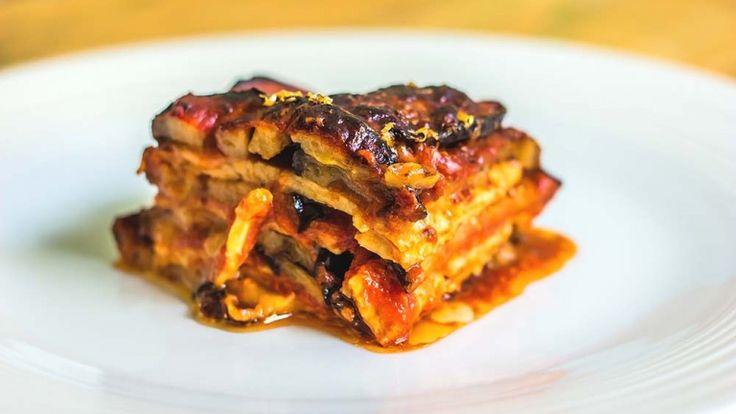 Parmigiana vegana con melanzane tempeh e formaggio vegan, ricette estive light