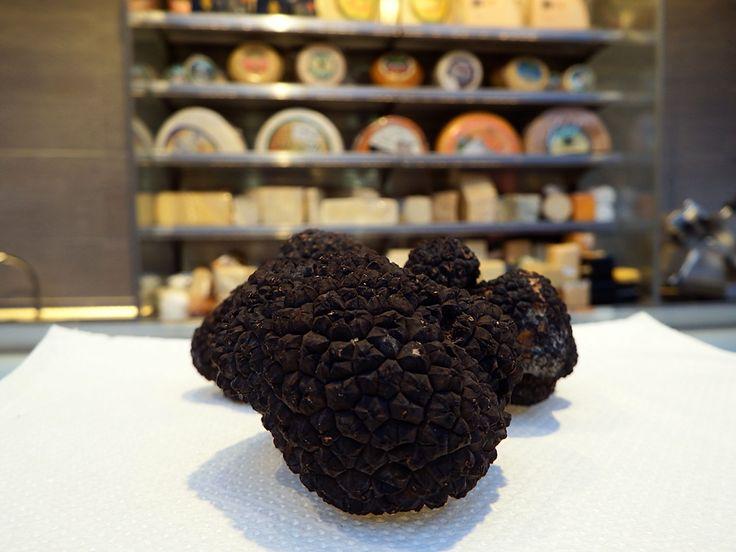 Μας ζητήσατε τρούφα σε μεγάλα κομμάτια... σας τη φέραμε! // We were asked to bring our customers large pieces of #truffle... we did!! Bon appetit! #FloraSuperMarket #Mykonos #deli #delicatessen #gourmet