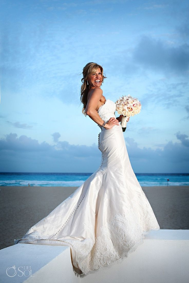 Cancun Wedding Le Blanc Resort, bride Trish in her gorgeous bridal gown by Paloma Blanca.  Mexico wedding photogrphers Del Sol Photography