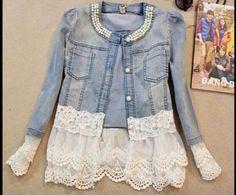 Jaqueta customizada com renda e pérolas !!! Amei !!!