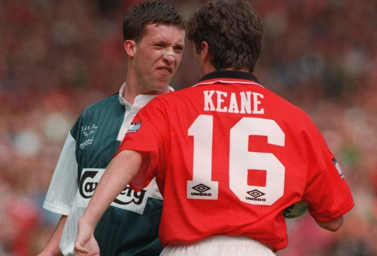 Liverpool #legend Robbie Fowler kindly tells Roy Keane where to go during the 1996 FA Cup Final at Wembley #LFC