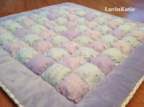 17 best ideas about bubble blanket on pinterest puffy for Floor quilt for babies