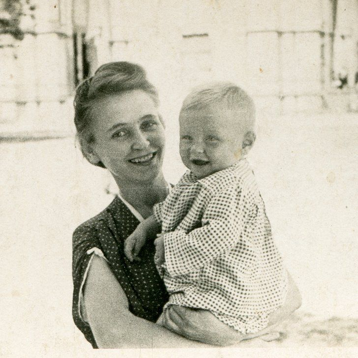 """Retro Baby Names Worthy of the Old-Fashioned Silver Screen: In a day when it seems that the most """"out there"""" baby names dominate the playground, some parents long for the simple, elegant names of the past."""
