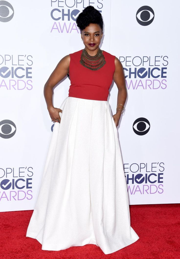 """Grey's Anatomy"" star Jerrika Hinton rocked the red carpet in a red and white dress on Jan. 6, 2016."