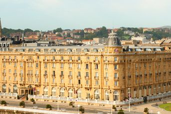 Experience a world class San Sebastian hotel when you book with Starwood at Hotel Maria Cristina, a Luxury Collection Hotel, San Sebastian. Receive our best rates guaranteed plus complimentary Wi-Fi for SPG members.