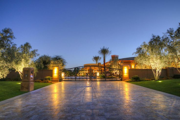 This Paradise Valley, Arizona home is a must see!