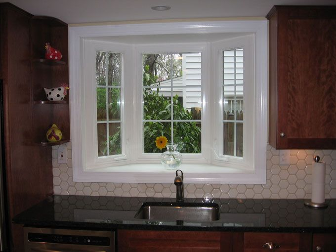 Bay window above kitchen sink kitchen remodel pinterest nice bays and love this - Kitchen bay window decorating ideas ...