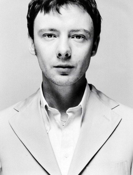 John Simm is actually a tremendously good actor AND he's cute :D