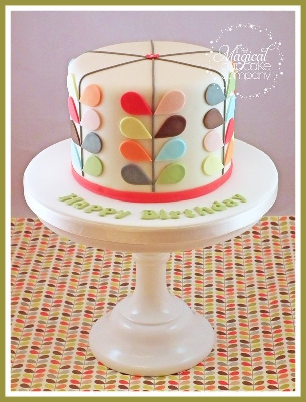 Modern cake  http://www.themagicalcupcakecompany.co.uk/cakes.html