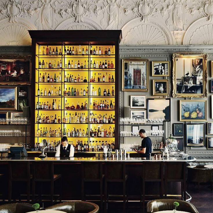 Sleek hotel #design makes for a great first impression—grab a cocktail at Berner's Tavern in the high-style London EDITION hotel.