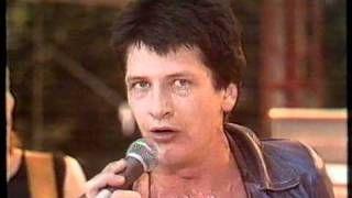"Herman Brood & his Wild Romance (live 1980) ""Dope Sucks"" - YouTube"