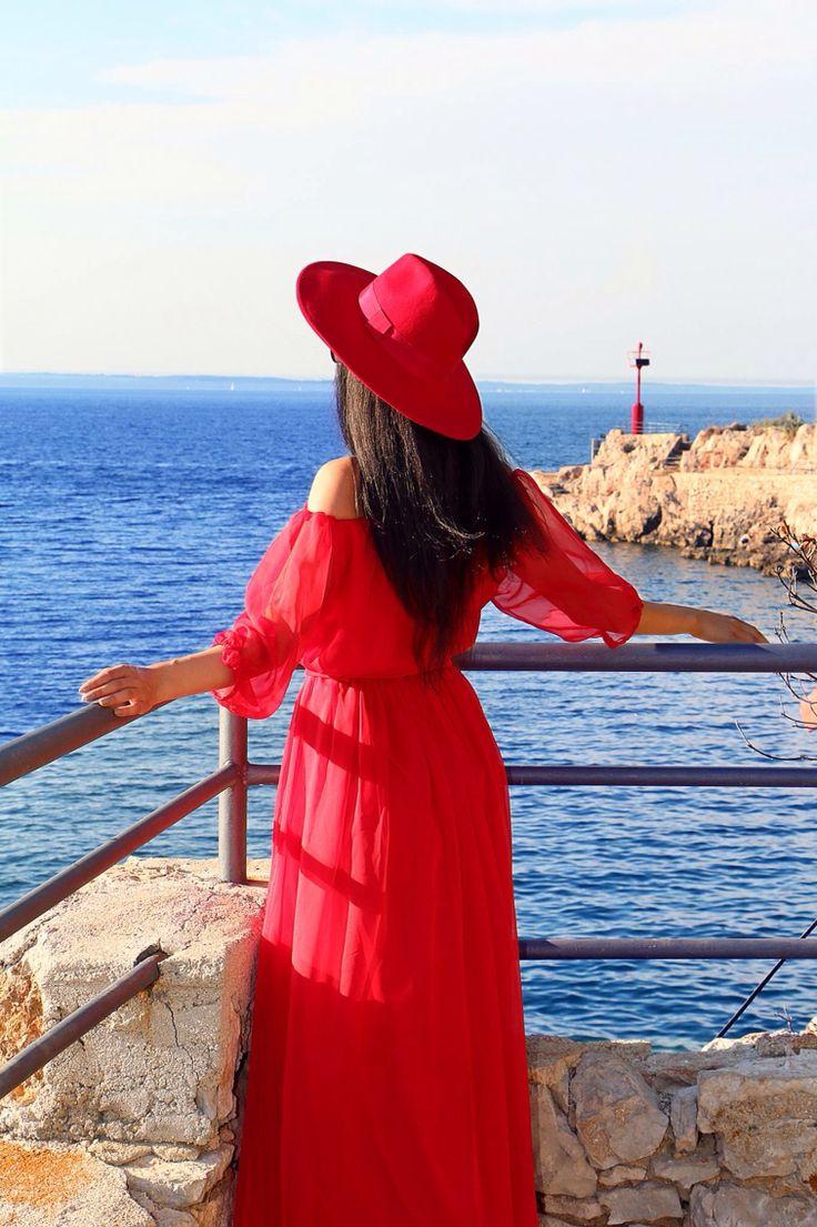 Lady in red ... More on my blog www.kristinazavarski.com