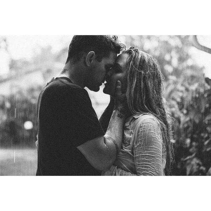 www.organicmomentsweddings.com Kissing in the rain. We have 5 children, own a photography company, travel the country every summer, just adopted our daughter, love essential oils and love and respect each other. Taken by our 7 year old Organic Moments Photography ♥ A7rii Sony