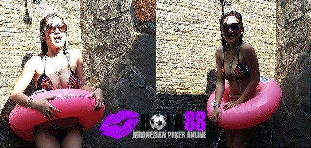 Ada Fans yang Minta Foto Hot Revi Mariska - Daftar Joker123