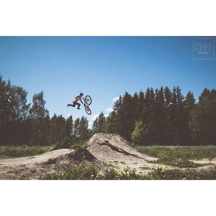 Salla Vesa photography   #extremesports #dirtbike #sportphotography #pihlajamäki #hds #anttirissanen #freestylemtb #sallavesaphotography #valokuvaajalahti  valokuvaaja hollola
