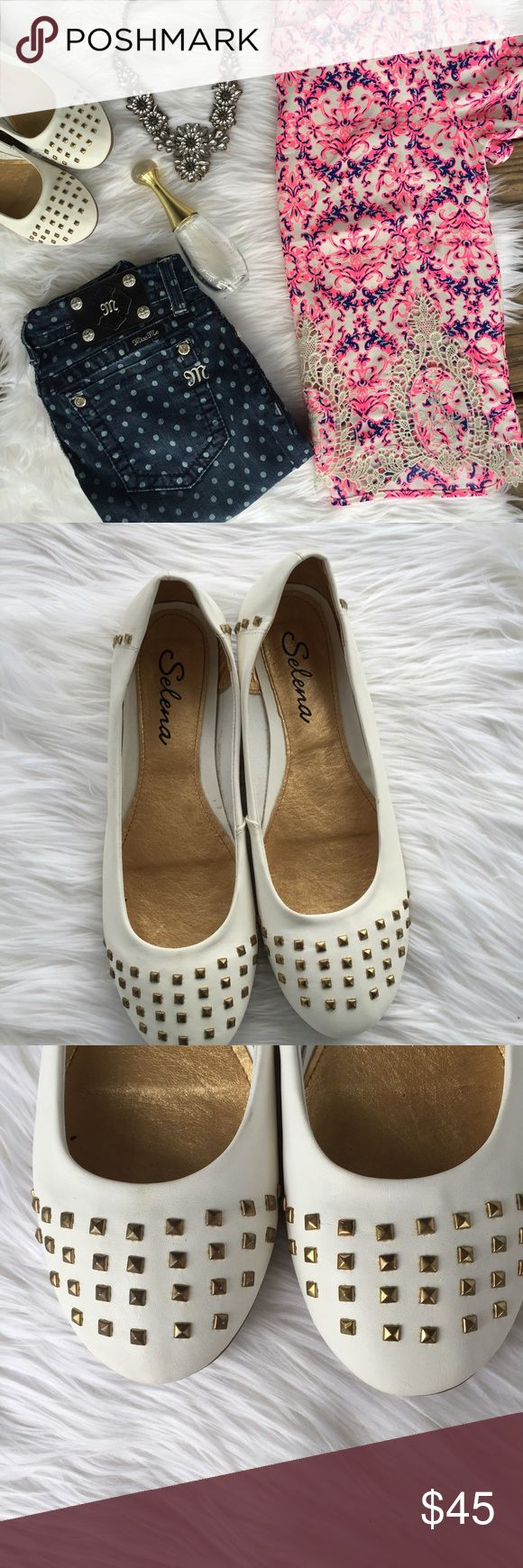 White Leather Gold Studded Ballet Flats SZ 9 Gorgeous White Leather ballet flat slip on shoe. Square gold stud detail on the toe. Made in Brazil. Size 9. Europe size 9. New without box. Brand is Selena. Selena Shoes Flats & Loafers