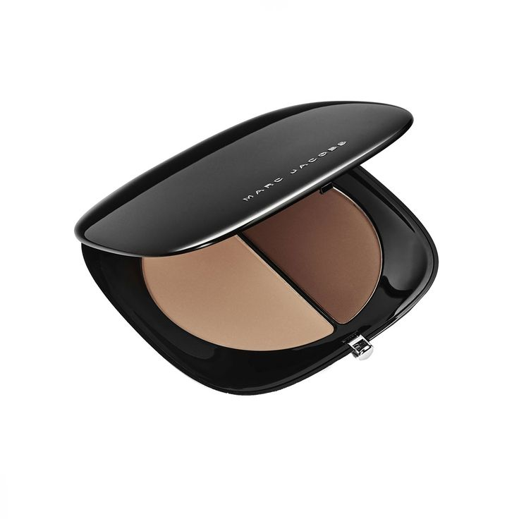 Make the first selfie of the New Year count: Inspired by the skin-enhancing wonders of an Instagram filter, this novel contouring powder blurs imperfections with light-scattering particles. Marc Jacobs Beauty #Instamarc Filtering Contour Powder, $49; For information: sephora.com - Photo: Courtesy of Marc Jacobs