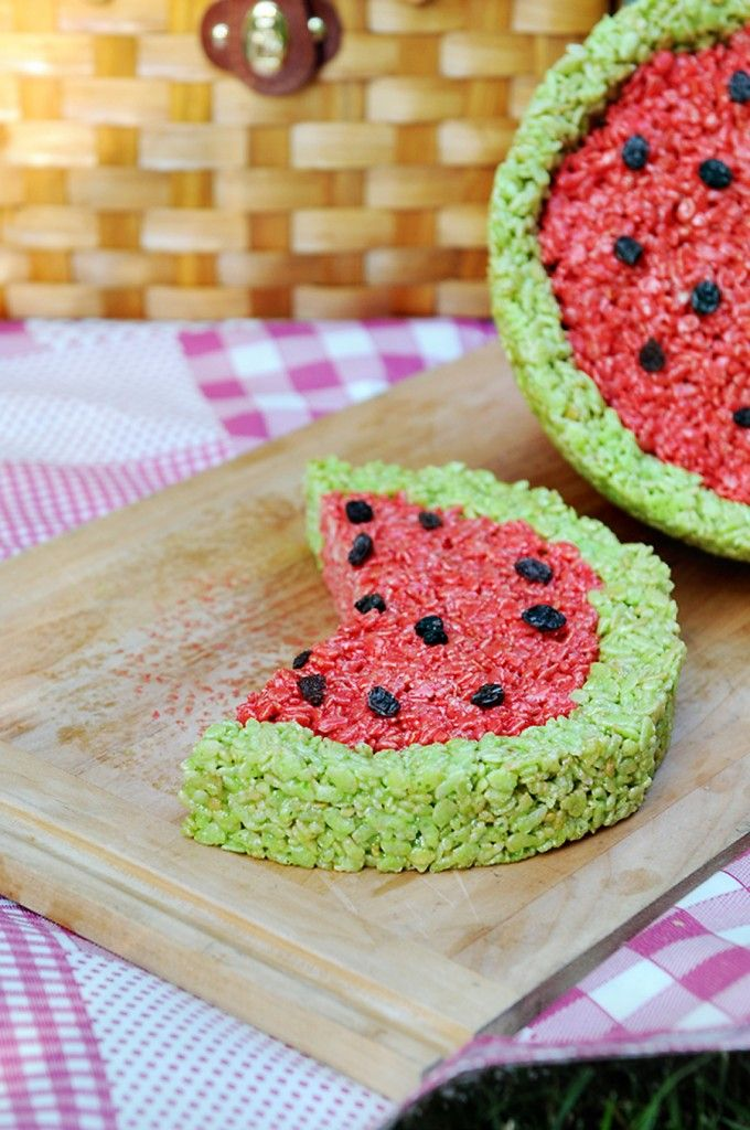 awesome watermelon rice krispies treats!!!!: Fun Recipes, Chocolates Chips, Summer Parties, Cute Ideas, Watermelon Rice, Summer Treats, Drinks Mixed, Rice Crispy Treats, Rice Krispie Treats