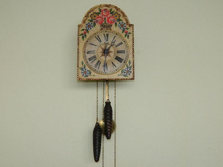 Krásné staré malované pendlové hodiny | Aukro archiv
