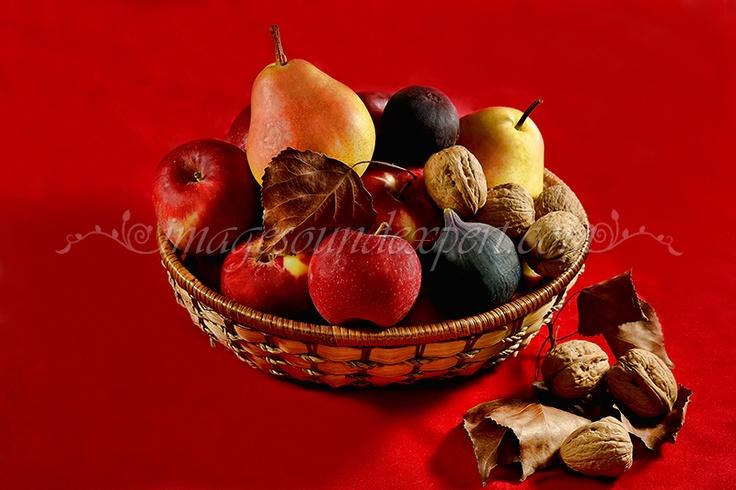 Fotografie produs - fructe de toamna / Product Photo - fruit of autumn / Product Photo - Obst im Herbst / Photo du produit - fruit de l'automne  (mere, pere, nuci, smochine, figs, nuts, apples, pears, apfel, birnen, feigen, nusse, figues, noix, pommes, poires)