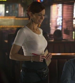 """""""I'd like to see her be a strong woman and be okay in the world as a mom and an owner of a business and not be someone who doesn't feel complete if she doesn't have a man,"""" Carrie Preston says of her hopes for Arlene on """"True Blood."""""""