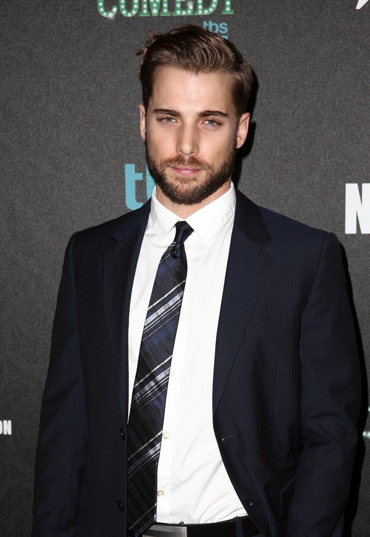 Pin for Later: 20 Famous Hotties Turning 30 This Year Dustin Milligan The former 90210 star turned 30 on July 28.