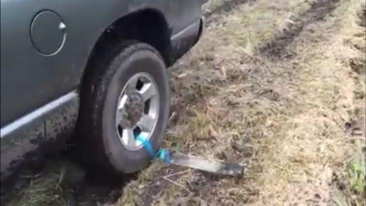 Aby ste z tejto situácie bezpečne vyviazli, je dobré mať v aute iba dve veci navyše a pozrieť si tento video návod.