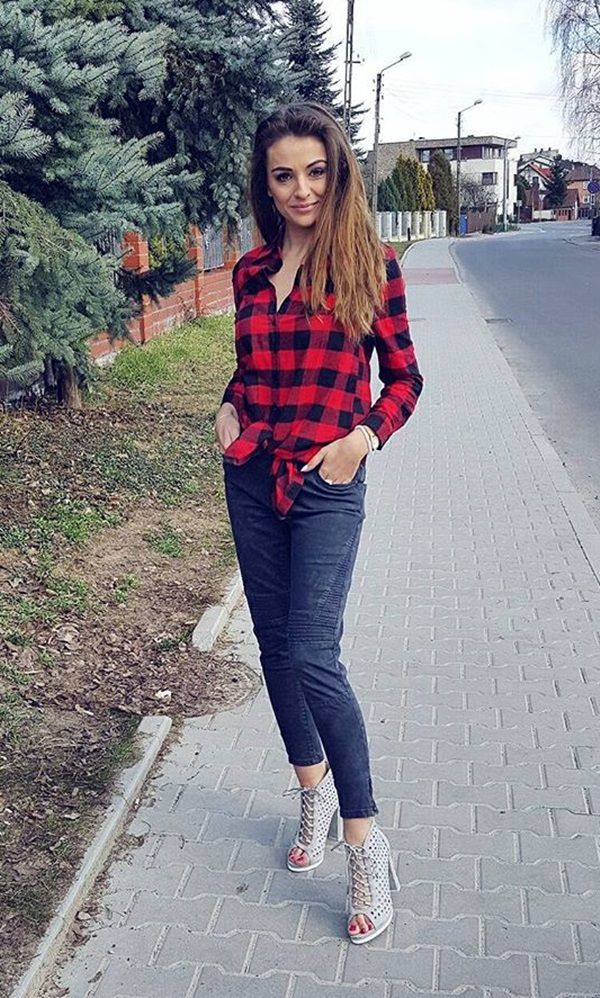 Awesome street style by Marta Milej in her plaid flannel tunic shirt. #LBSDaily
