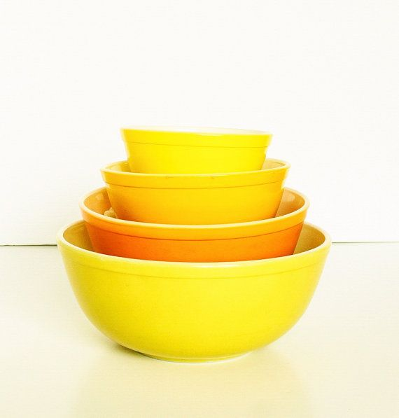 Pyrex 4 Mixing Bowl Set in Candy Corn Autumn Harvest by TheBlueRam
