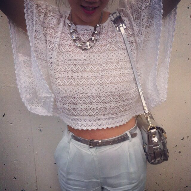 Mixing Metals With Pastels   Asos Crochet Top   H&M Mint Green Pants   Forever 21 Silver Chain Necklace   Zara Metallic Bag  