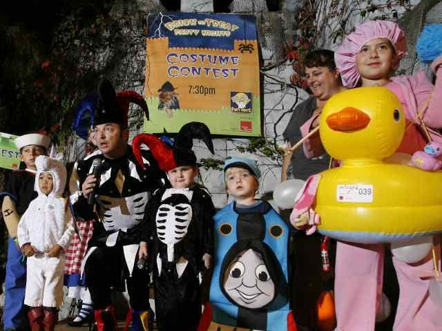 Everything You Need to Know About LEGOLAND's Brick-or-Treat #legoland #halloween