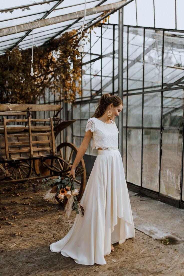 Labude Köln – Trends 20192020 Zweiteiler für die Braut mit Crop Top Zoey und weitem Seidenrock Rose