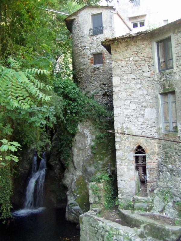 Un itinerario tra natura e archeologia industriale - Candalla nelle Apuane
